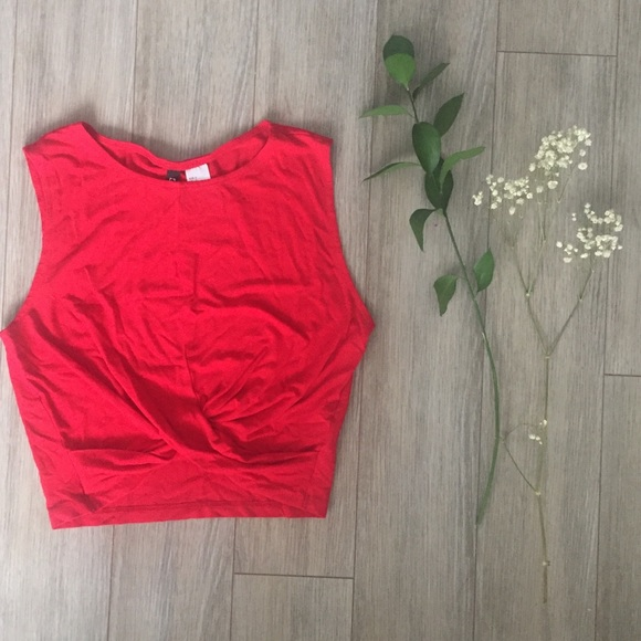 H&M Tops - H&M crop top